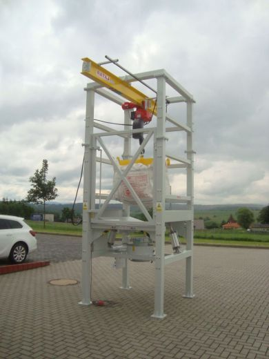 BIG-BAG stanice se závěsným křížem pro zdvihací zařízení (kladkostroj)